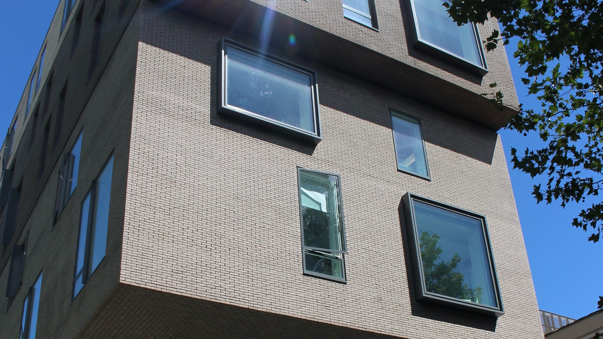 facades contractors in Kent